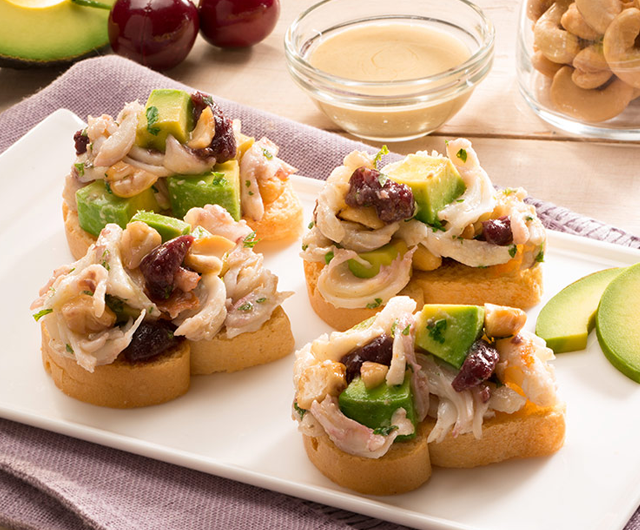 Crab, Avocado and Cashew Salad