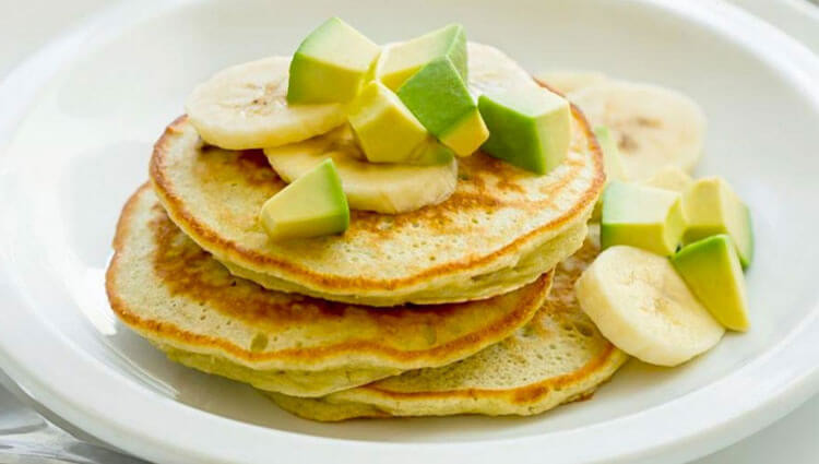 Breakfast, Lunch, and Dinner: Three Avocado Recipes under 300 Calories